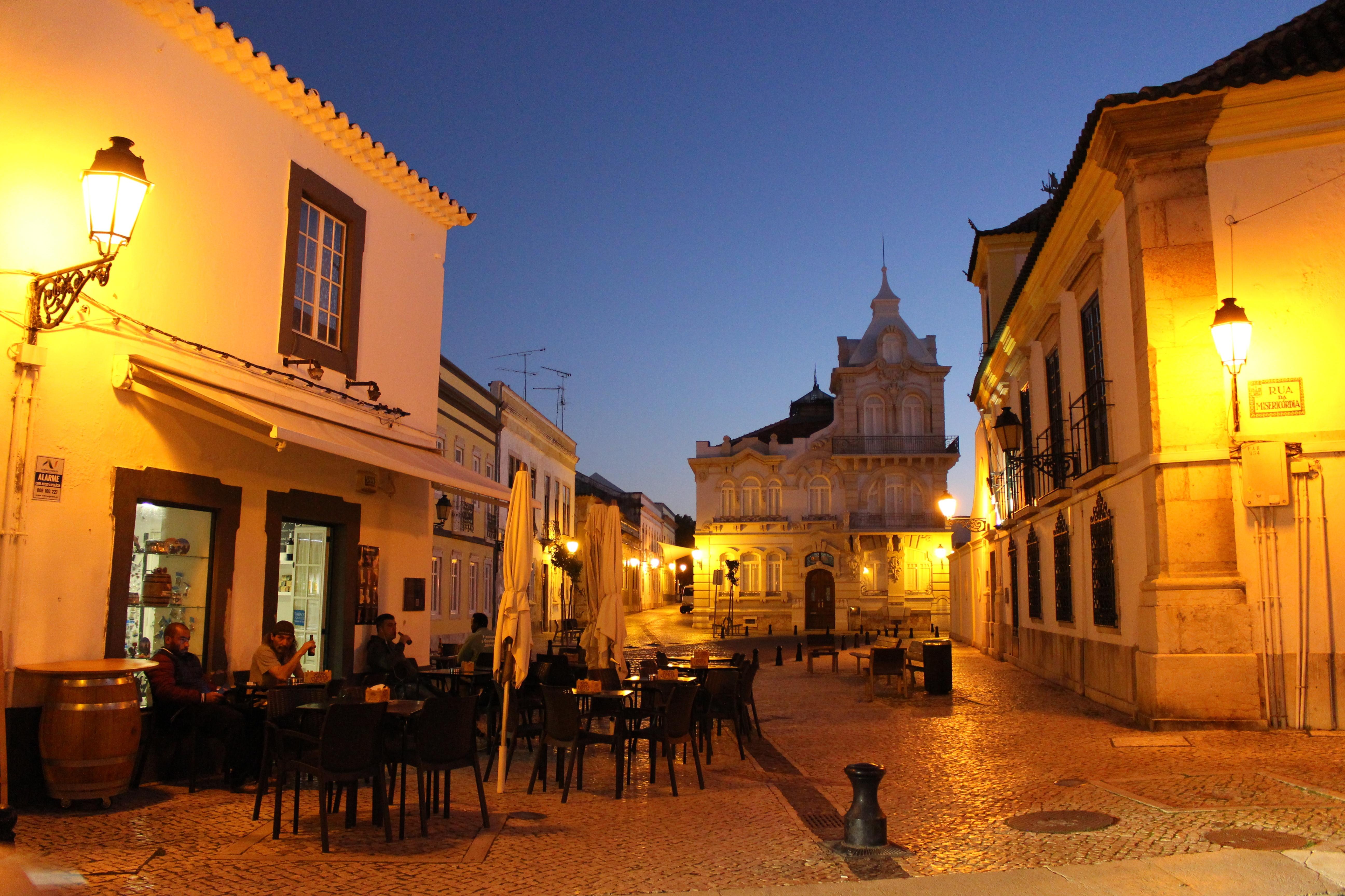 Nocne Faro