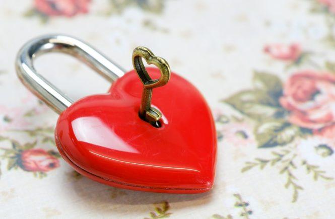 Walentynki - czyli dlaczego wieszamy kłódki na mostach?