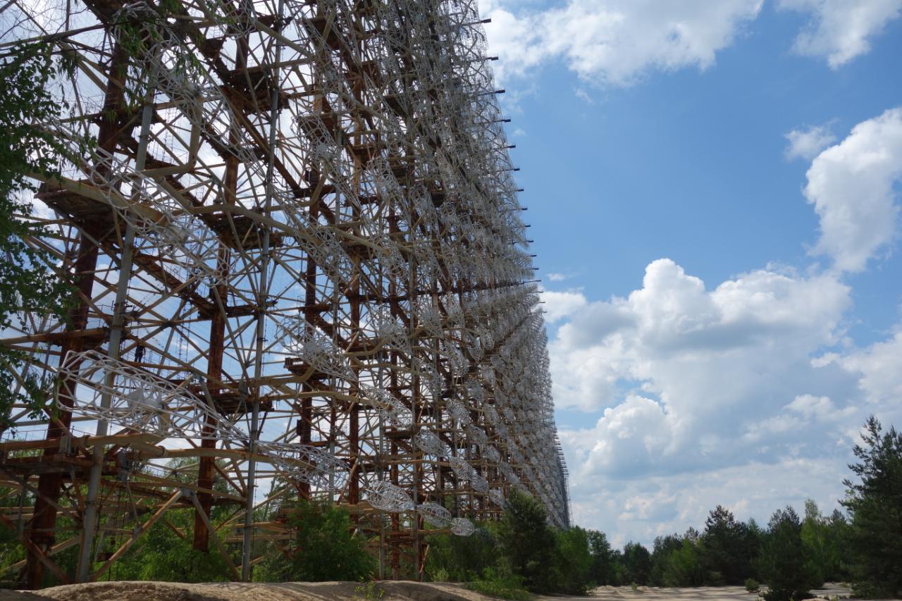 Oko Moskwy, czyli DUGA radar zagłuszający sygnały innych odbiorników. Słyszalny w wielu krajach Europy.