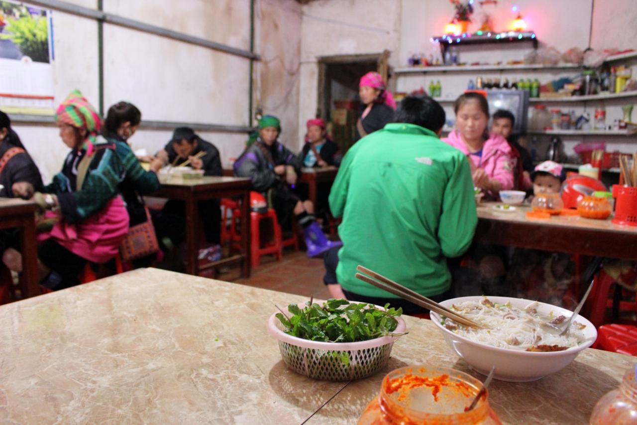 Wietnam ma sporo restauracji, w których stołują się głownie lokalni mieszkańcy.