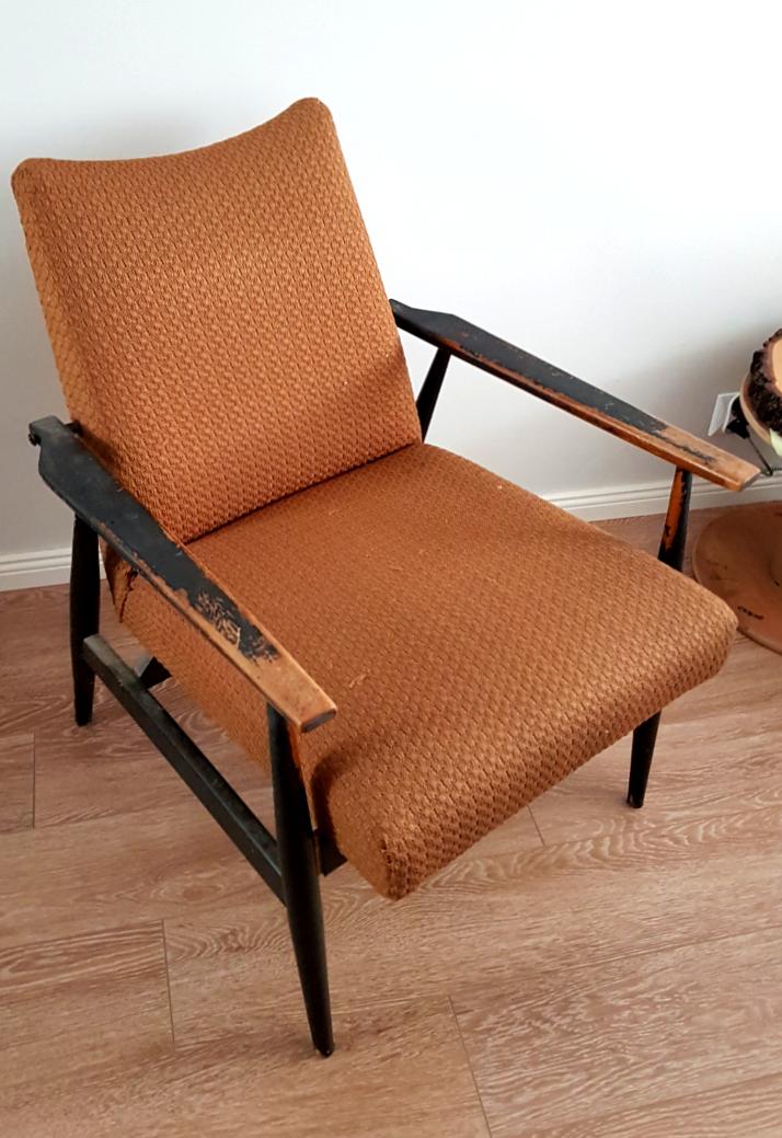 Retro fotel przed renowacją