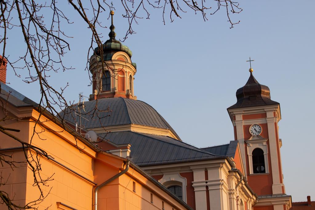 Owińska - przepiękny klasycystyczny pałacyk z 1804 r.